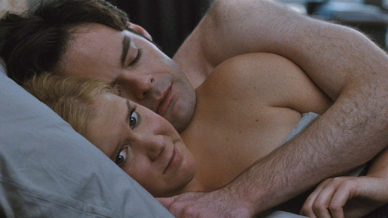 Illustration for article titled Amy Schumer and Judd Apatow invigorate the rom-com with Trainwreck