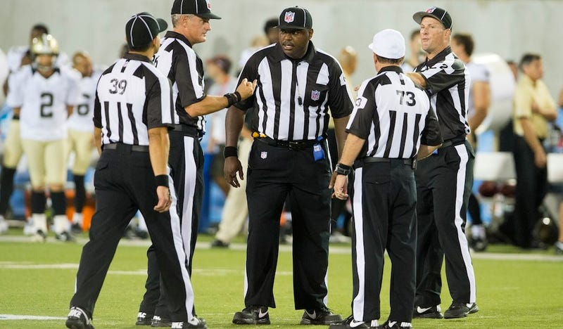 Illustration for article titled The NFL's Replacement Refs Had A Really Bad Game Last Night