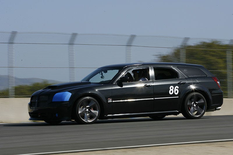 Illustration for article titled The Dodge Magnum is Just the American Version of the IS300 Sportcross