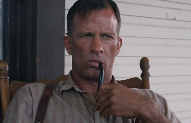 Thomas Jane goes a-wife-murderin' in the trailer for Netflix's new Stephen King film