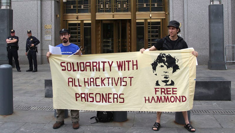 Illustration for article titled Anonymous Hacker Gets 10 Years in Jail, Blames Informant Sabu