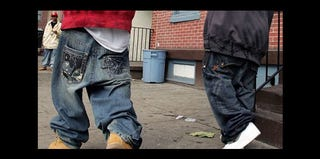 Men with sagging pants in 2012 (Fox News)