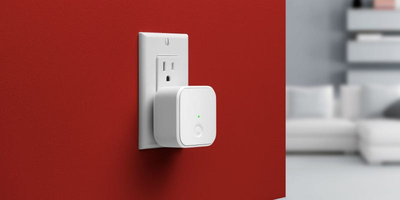 Illustration for article titled Buzz In Guests Remotely With August Smart Lock's New Internet Hub