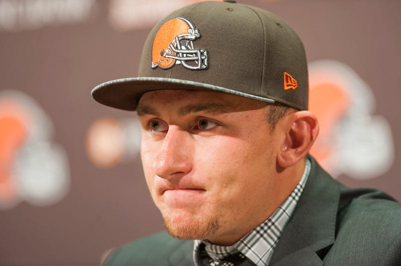 Illustration for article titled Browns Coach: Johnny Manziel Texted Me, Asking To Be Drafted