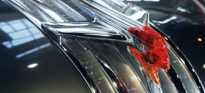 Illustration for article titled 17 Gorgeous Hood Ornaments That Defined These Classic Cars