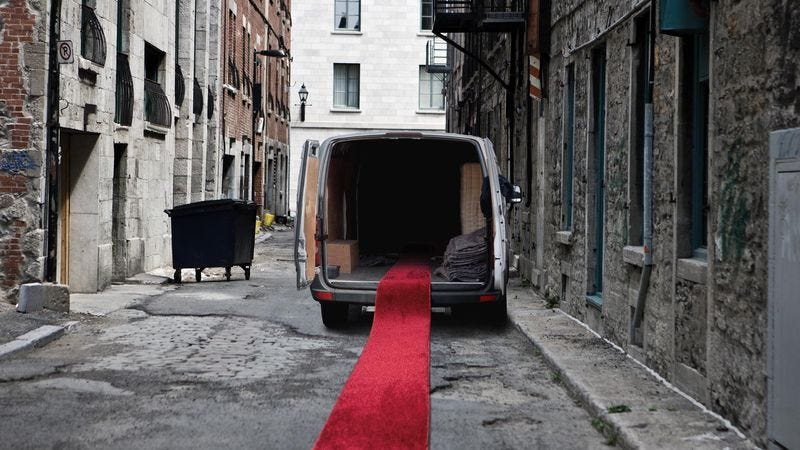 Illustration for article titled Unsuspecting Movie Stars Follow Fake Red Carpet Into Back Of Kidnappers' Van