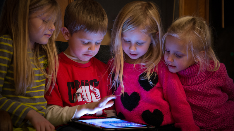 Illustration for article titled Pediatricians Now Agree: Screen Time Isn't So Bad for Kids