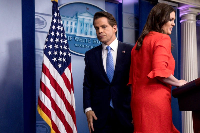 Illustration for article titled Anthony Scaramucci Has Some Opinions On Sarah Huckabee Sanders' Hair and Makeup