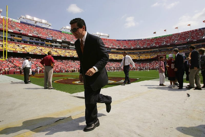 Illustration for article titled The Time Has Come For Dan Snyder To Change His Name