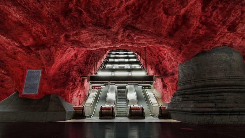 Illustration for article titled Eye-Poppingly Gorgeous Underground Stations from Around The World