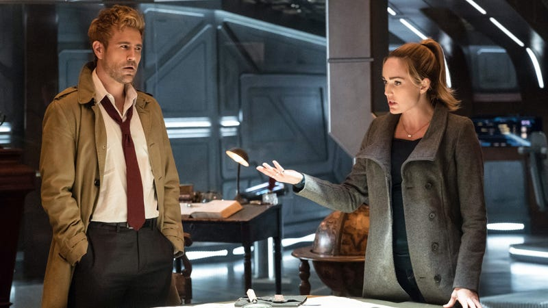 Matt Ryan (left) and Caity Lotz in DC's Legends Of Tomorrow (Photo: Jeff Weddell/The CW)