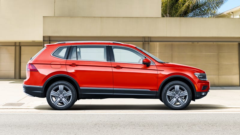Illustration for article titled 2018 Volkswagen Tiguan: They Made It Bigger For America