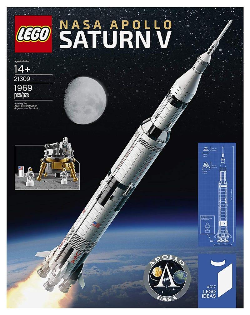 Illustration for article titled Crazy Deal on Lego Saturn V Set