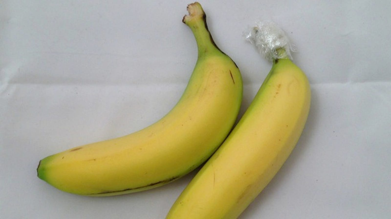 Keep Bananas Fresh Longer By Separating Them And Wring The Stems In Plastic Wrap