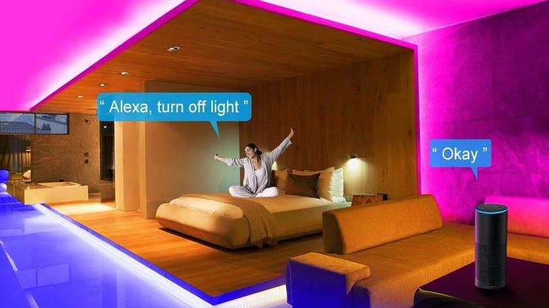 Tira de luces LED Minger con control por app y micrófono | $17 | Amazon | Usa el código AZYAGP4CFoto: Amazon