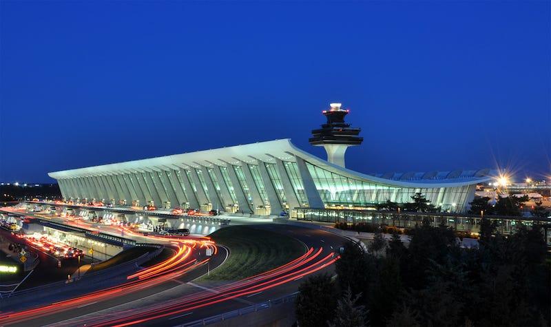 El Aeropuerto Internacional de Washington Dulles. Imagen: Joe Ravi, Wikimedia Commons