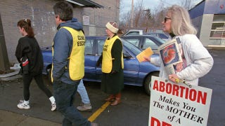 Illustration for article titled Obama Administration Cracks Down On Abortion Clinic Protesters