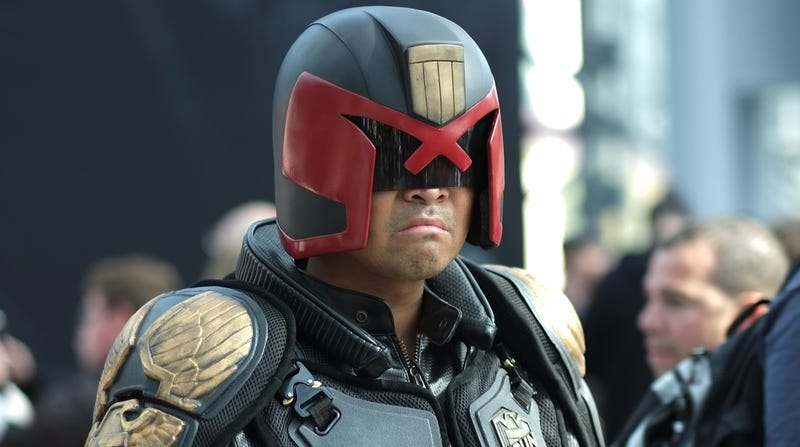 Illustration for article titled Judge Dredd TV show has a completed pilot script, 2 seasons fully planned out