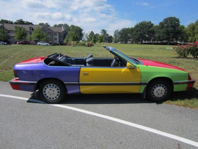 Illustration for article titled For $1,000, This 1989 Chrysler LeBaron Will Let You Clown Around