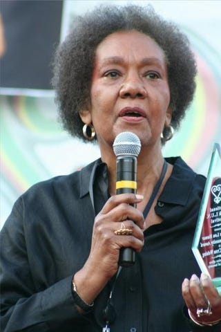 Dr. Frances Cress Welsing receives the Fannie Lou Hamer Community Award during the 10th Annual National Black LUV Festival in Washington, D.C., Sept. 21, 2008.ELVERT XAVIER BARNES PHOTOGRAPHY