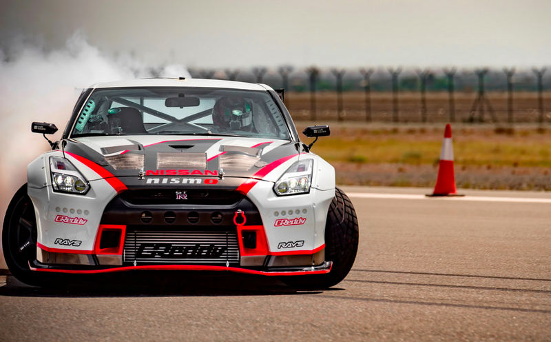 Illustration for article titled A 1,380 Horsepower Nissan GT-R Just Set The Drifting World Record At 190 MPH