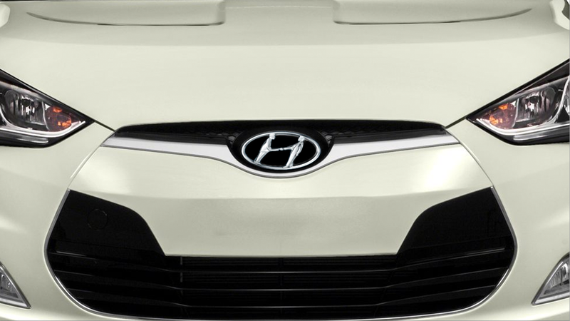 Illustration for article titled I Had No Idea The Hyundai Logo Was Based On Two Guys Shaking Hands