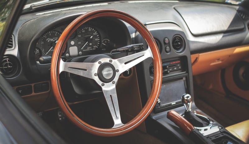 Illustration for article titled A proper roadster interior