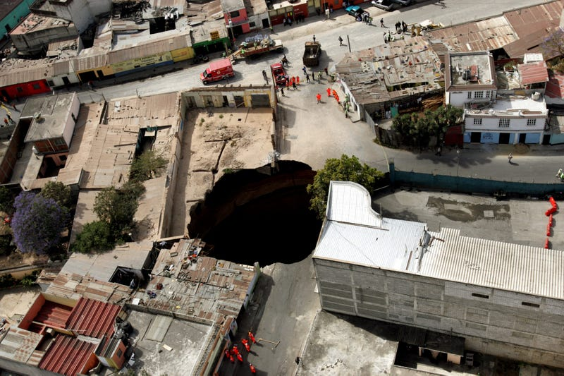Illustration for article titled Ask A Geologist Whatever You Want About Sinkholes!