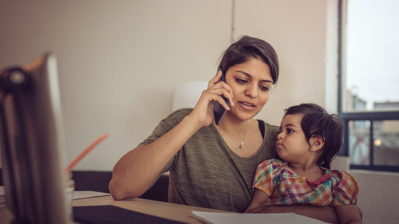 Illustration for article titled Disclose That Your Kid Is With You When You Start a Phone Meeting
