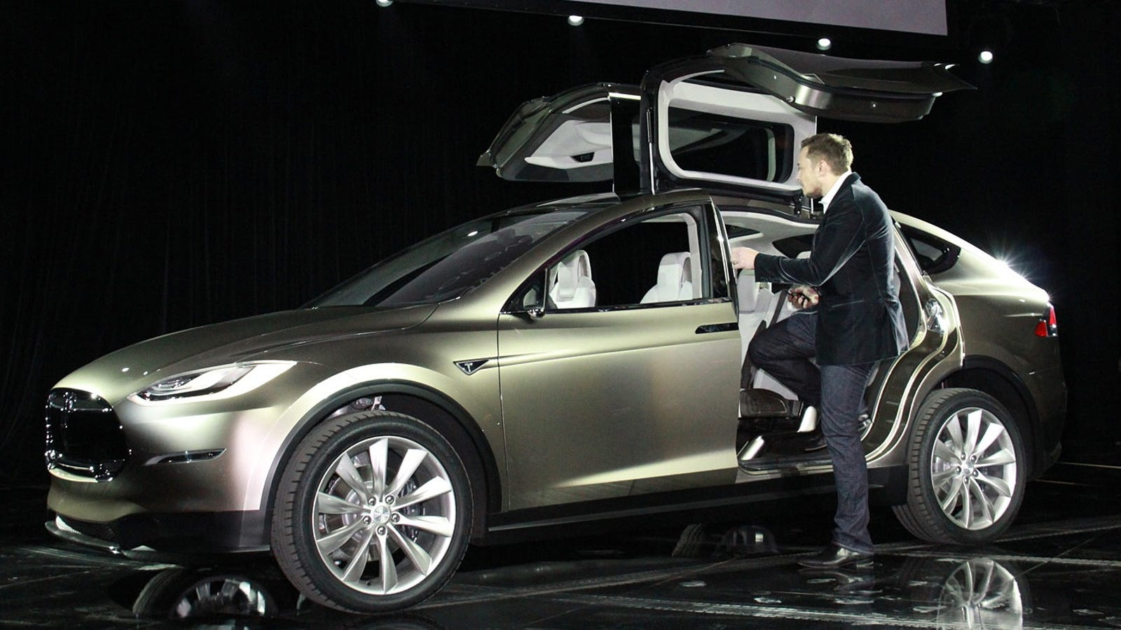 tesla model x price tops out at 100 000. Black Bedroom Furniture Sets. Home Design Ideas