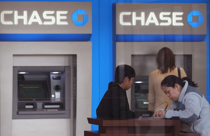 Chase customers in Illinois in 2011 (Getty Images)