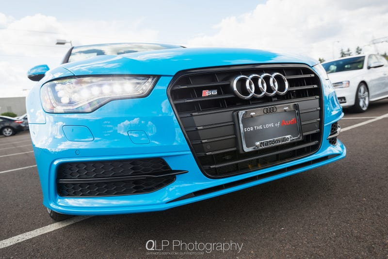 Illustration for article titled In Photos: Exclusive Riviera Blue Audi S6