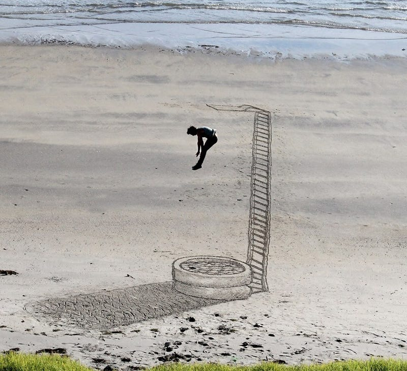 Illustration for article titled These Gorgeous Beachside Optical Illusions Will Fool You