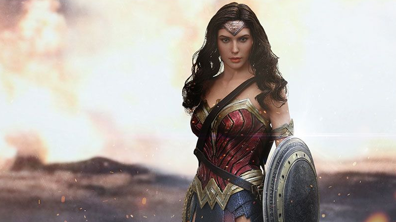 Illustration for article titled Wonder Woman Finally Gets Her Own Awesome Hot Toys Figure