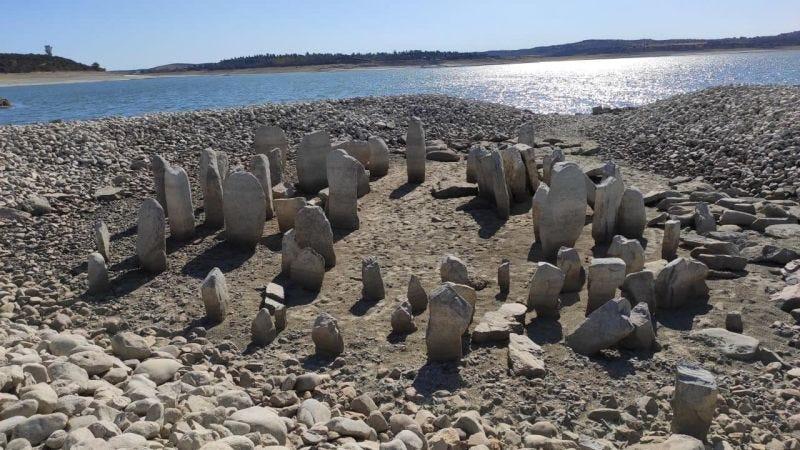 Reaparece un complejo megalítico de más de 3000 años de antigüedad debido a las sequías en un pueblo de España