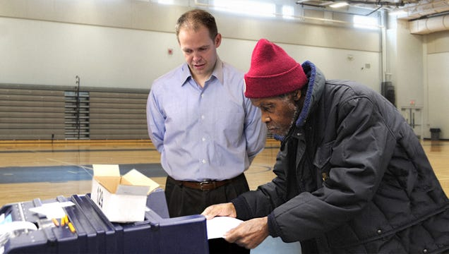 Georgia Election Worker Assures Black Man Ballot Scanner Supposed To Sound Like Shredder