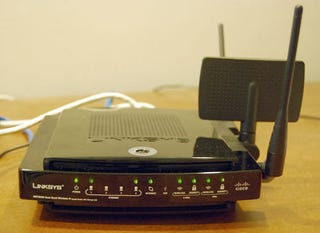 Illustration for article titled Linksys Outs Long Awaited WRT600N Router and WPC600N PC Card for Notebooks