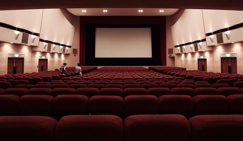 Estos son los mejores asientos de una sala de cine según un ...