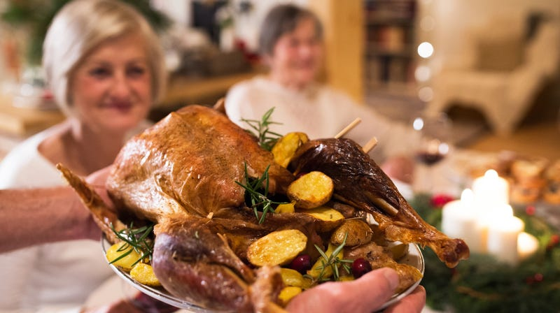 Illustration for article titled Nicest pub in England offers free Christmas dinner for lonely elderly folks