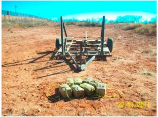Illustration for article titled Weed-Firing Catapult Discovered at U.S.-Mexico Border