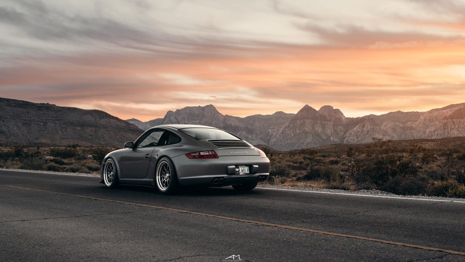 your ridiculously awesome porsche 997 carrera s wallpaper is here. Black Bedroom Furniture Sets. Home Design Ideas