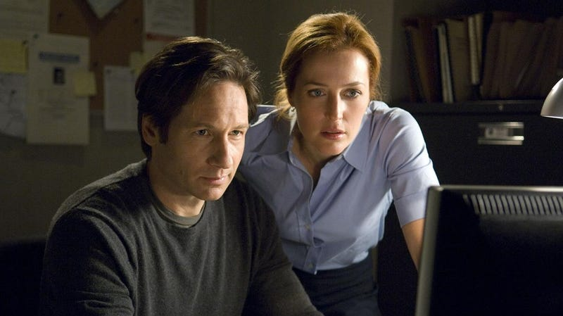 Illustration for article titled Chris Carter Wrote Another X-Files Movie, Because He Enjoys Our Pain