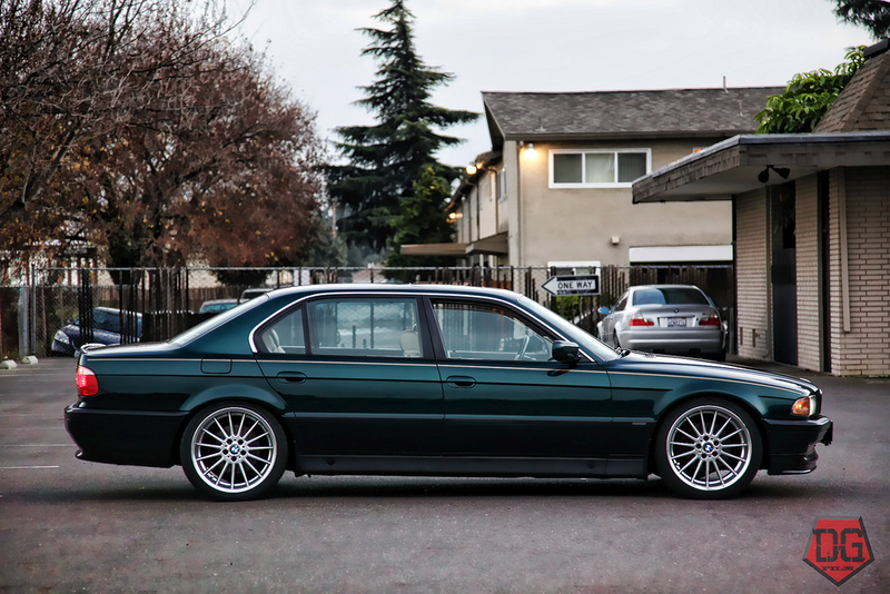 Illustration for article titled Oh look, an E38 on style 32s