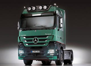 Mercedes Unveils Luxurious New Actros Trust Edition Semi For Euro