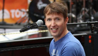 Illustration for article titled James Blunt Would Have Sex With James Blunt