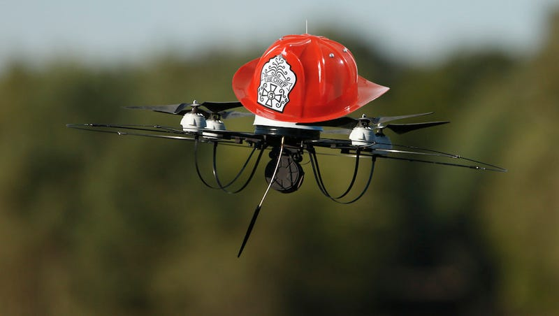 Illustration for article titled Dubai's Turning Drones into Firefighters
