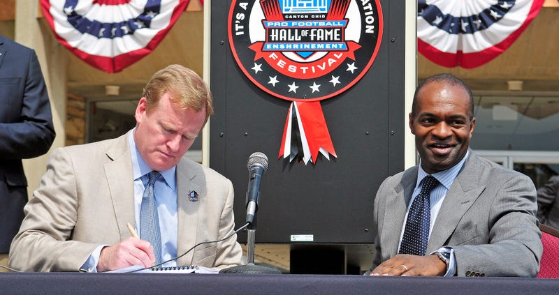 Roger Goodell and DeMaurice Smith, in happier times. (Photo Credit: Jason Miller/Getty)