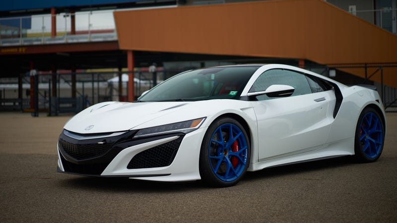 Illustration for article titled Here's a Acura NSX racecar I found at comp and it's wallpaper size!