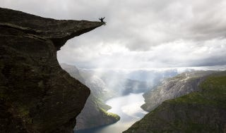 Illustration for article titled Beautiful Norwegian cliff is a nightmare for those afraid of heights
