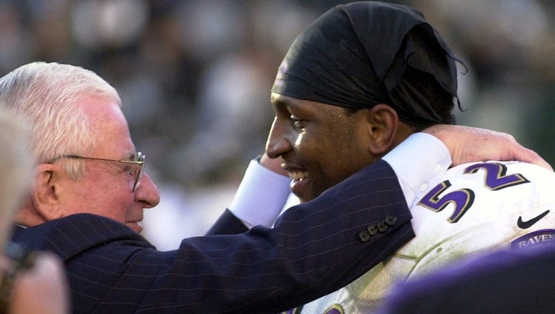 Illustration for article titled Read The Racist, Threatening Postcards Art Modell Received For Supporting Ray Lewis